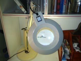 Lámpara de aumentos con luz blanca