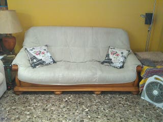 Sofá y sillón de madera maciza estilo rústico.