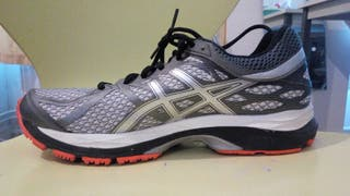 chaussures Asics 42