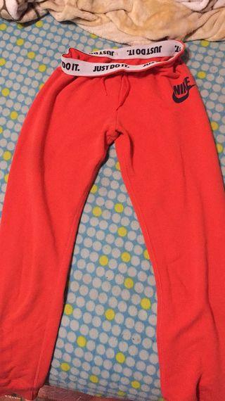 Pantalón chándal Nike ts