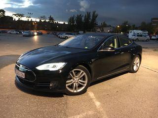 Tesla Model S85 Autopilot