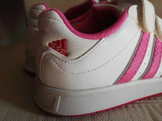 Zapatillas Adidas niño de segunda mano en Valladolid en WALLAPOP