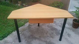 mesa escritorio esquinera con cajón.