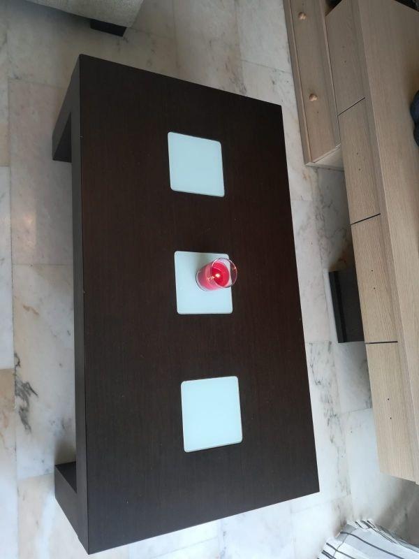 Mesa pequeña comedor de segunda mano por 100 € en Granollers en WALLAPOP