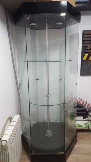 vitrina exagonal de cristal giratoria