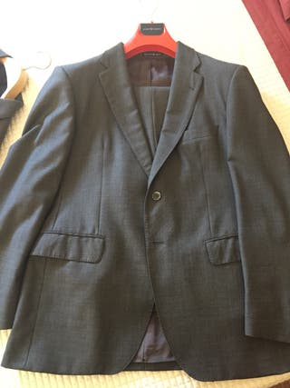 Traje gris , puesto 3 veces, talla 50, A. Moreno