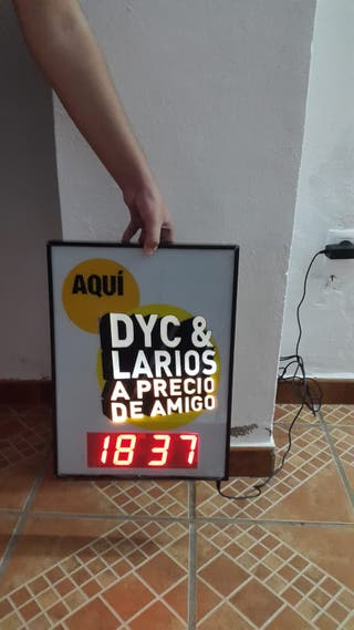 Reloj digital DYC