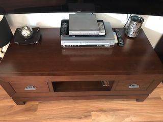 Mueble bajo televisión