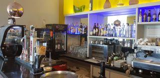 TRASPASO BAR CAFETERIA EN CADIZ PLAYA