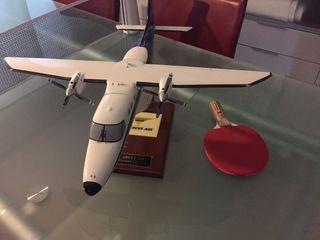Maqueta avión de madera