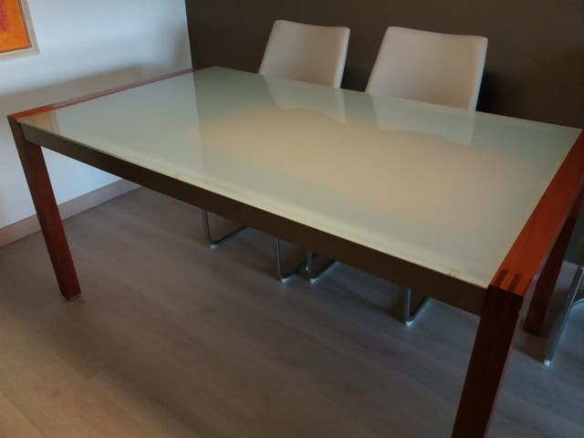 Mesa comedor extensible madera haya y cristal de segunda mano por ...