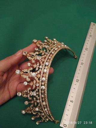 Preciosa tiara de novia ,niña , fiesta Nueva