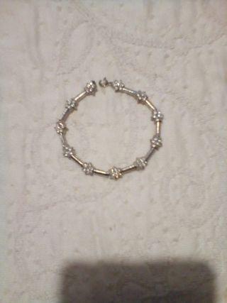 79dd3b794906 Pulsera de plata con circonitas de segunda mano en la provincia de ...