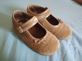 Zapatos merceditas niña