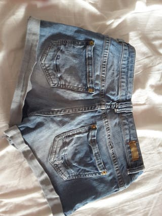 short pantalon tejano pull and bear