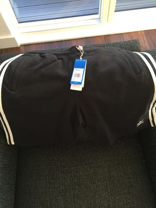 SHORT ADIDAS PANT Size L NEW