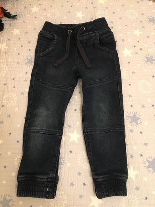 Pantalones para niños de segunda mano en Gavà en WALLAPOP 597647efdaa