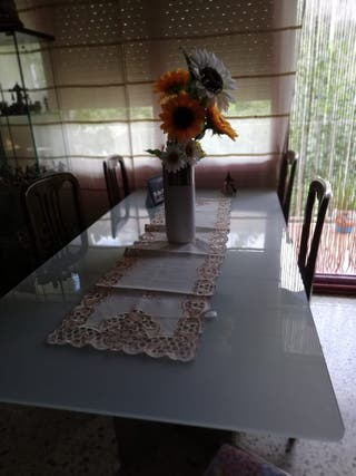 Mesa comedor de segunda mano en terrassa en wallapop for Mesas de comedor de cristal segunda mano