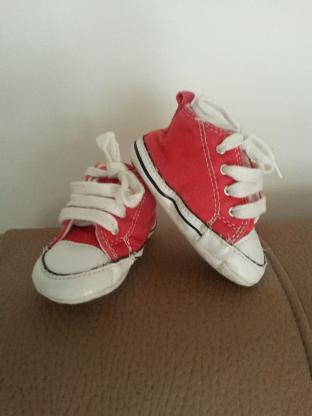2ac8977a6 Zapatillas bebé Converse talla 19 de segunda mano por 2 € en León en ...