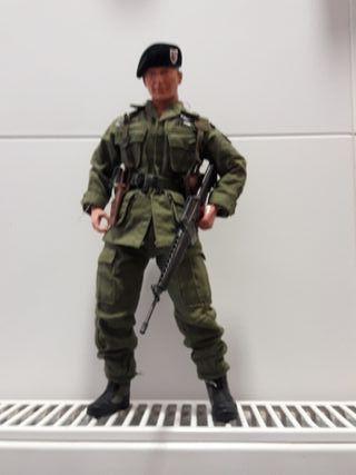figura soldado articulado.