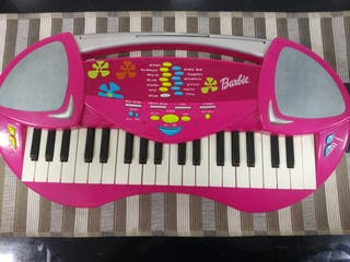 Piano rosa de la Barbie