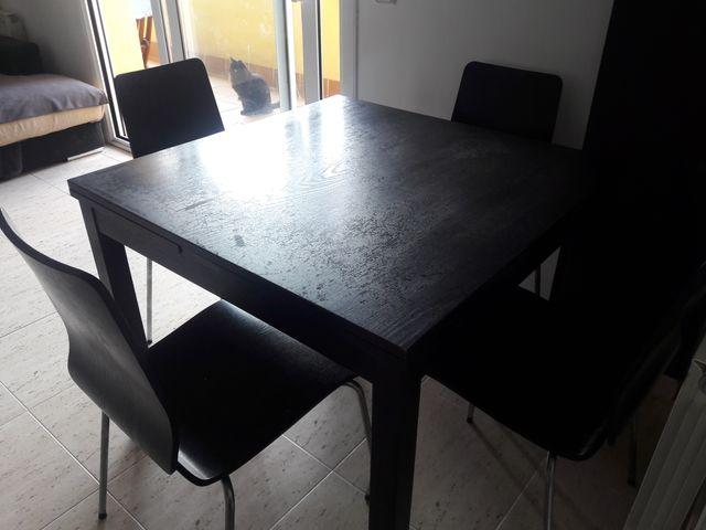 Mesa comedor extensible IKEA color wengue + sillas de segunda mano ...