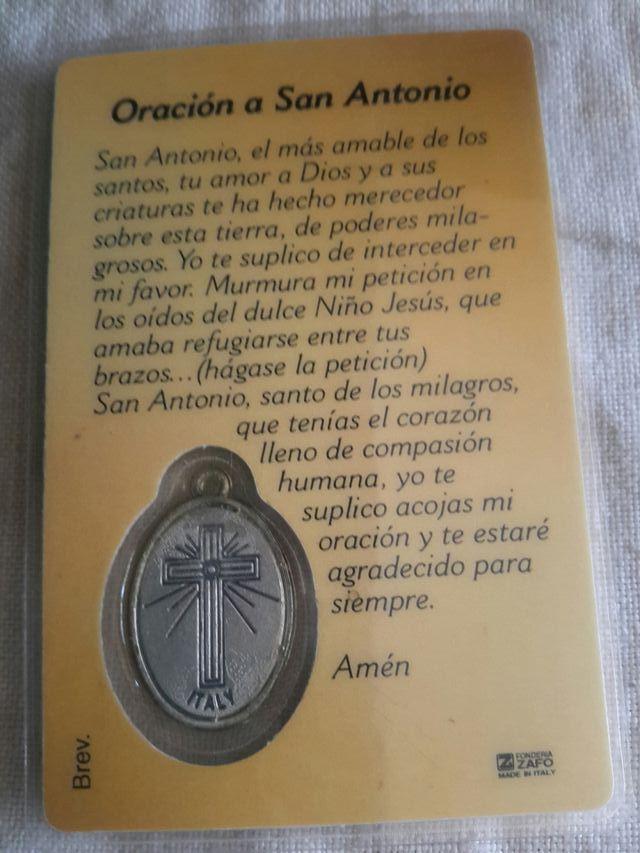 Antigua estampa con medalla de San Antonio
