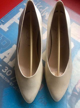 zapatos de novia de segunda mano en la provincia de cantabria en