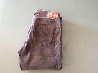 Pantalones niña de pana. Talla 10.