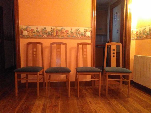 Sillas para salón comedor de segunda mano por 60 € en Bilbao en WALLAPOP