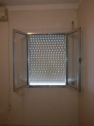 Ventanas aluminio de segunda mano por 40 en sevilla en for Ventanas de aluminio en sevilla