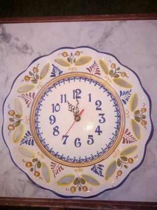 Reloj de ceramica de Talavera
