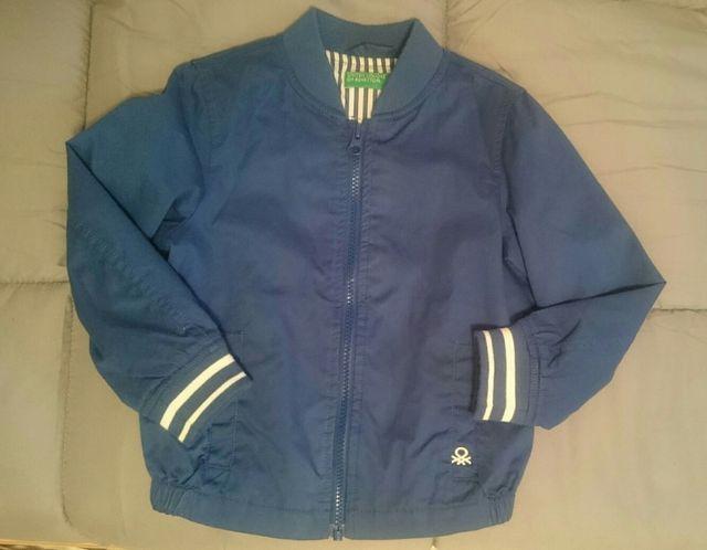 5dd798fc54878 Cazadora Benetton Niño de segunda mano por 10 € en Aldaia en WALLAPOP