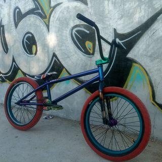 bici bmx de 21 montada a capricho y sin uso nueva