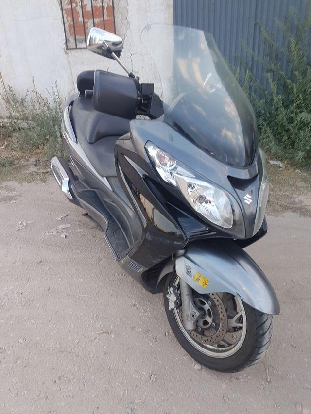 Suzuki Burgman 400 K7 despiece