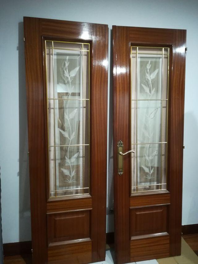 Puertas comedor de segunda mano por 100 € en Basauri en WALLAPOP