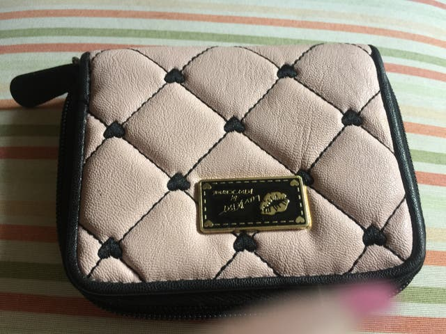 Cartera billetera LUV BETSEY