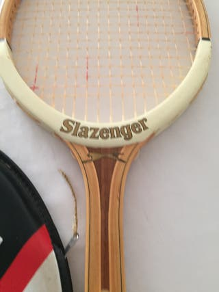 Raqueta de tenis marca SLAZENGER