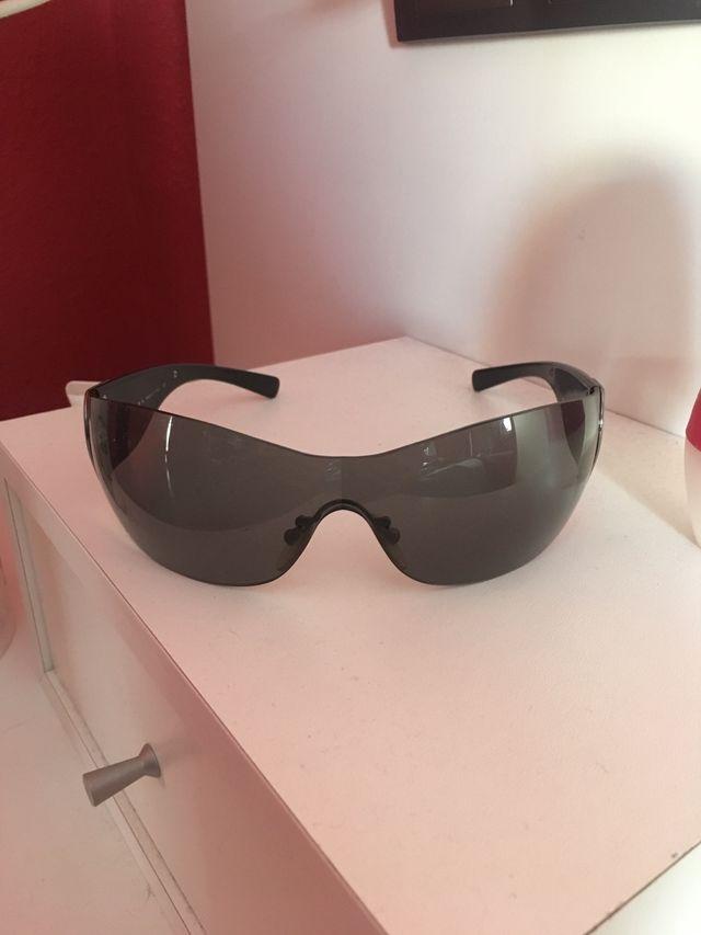 888f7ac317 Gafas Prada originales de segunda mano por 20 € en Marbella en WALLAPOP