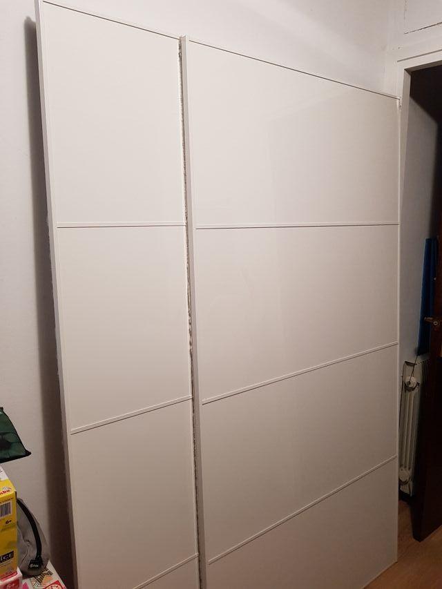 Solo puertas correderas armario ikea modelo pax de segunda for Puertas correderas de ikea