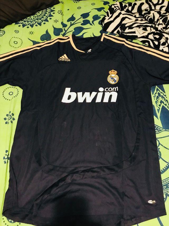 2e28611b2ac61 Camiseta Real Madrid 2007-2008 de segunda mano por 20 € en Campos en ...