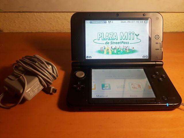 Nintendo 3ds xl roja