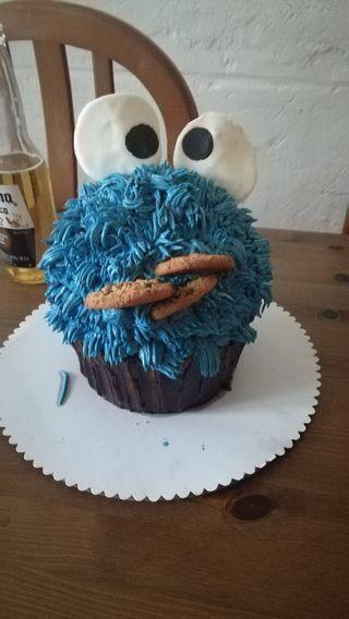 tartas y cupcakes personalizados