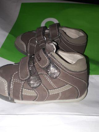 zapatos chicco 21