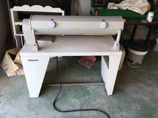Planchadora de rodillo Miele