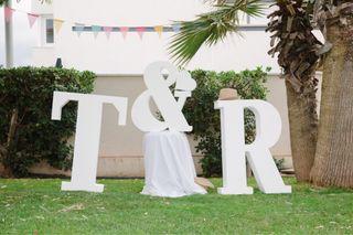 Letras R & T porexpan 1,20cm