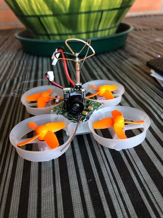 Dron eachine E010S