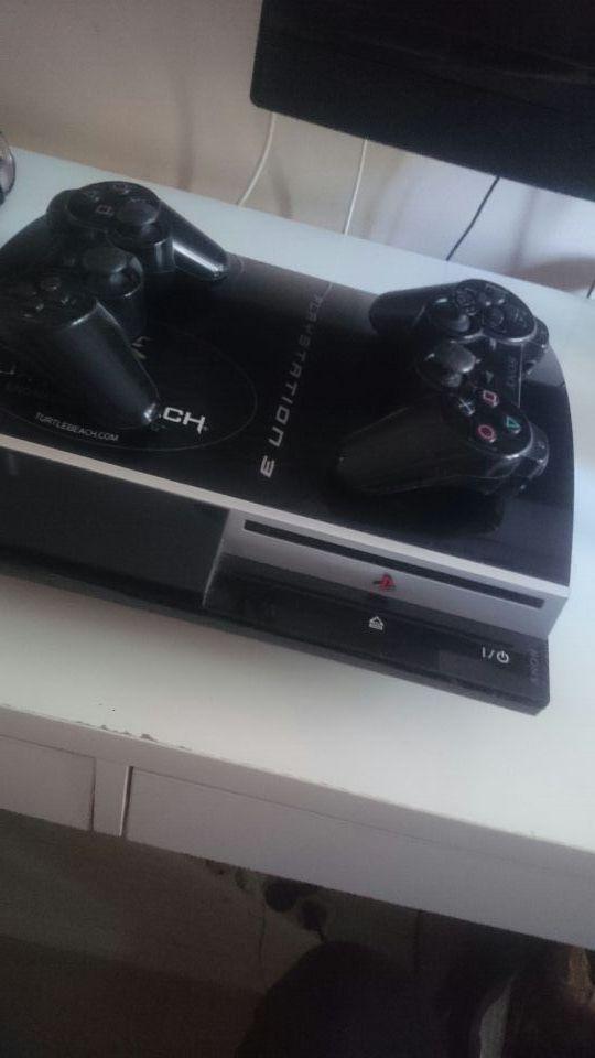 Playstation 3 + Dos mandos