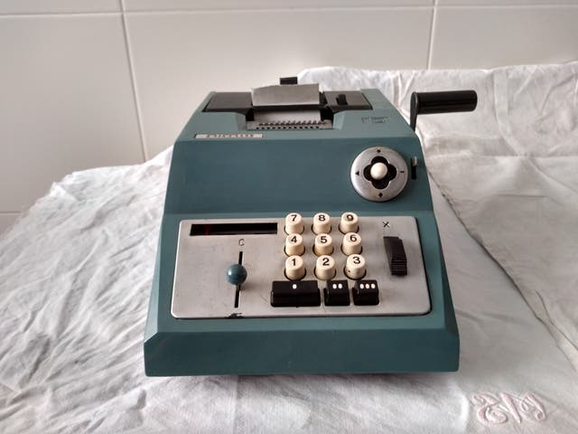 Calculadora Olivetti antigua
