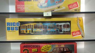 Autobus, Mercedes y Helicóptero de Rico